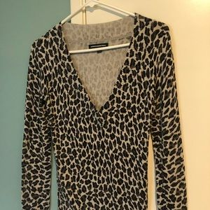 Express vneck longsleeve sweater in animal print S